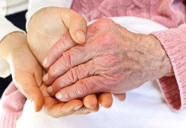 Судороги ног и рук у пожилых людей